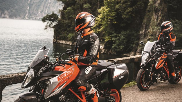 KTM akcija: ob nakupu modelov Adventure in Super Duke za tisoč evrov opreme (foto: KTM)