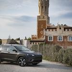 Prenovljeni Jeep Cherokee in prvi kilometri na Siciliji (foto: Jeep)