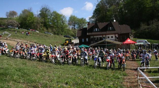 Za slabih 300 tisočakov naprodaj motokros steza v Lembergu (foto: Matevž Hribar)