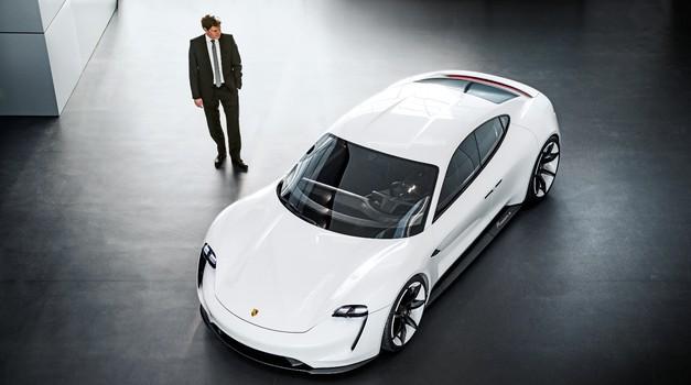 V naslednjem desetletju bodo skoraj vsi Porscheji elektrificirani (foto: Porsche)