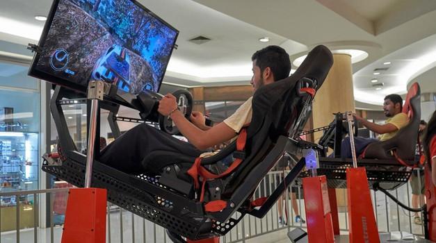 Virtualno dirkanje je postala uradna dirkaška kategorija (foto: Profimedia)