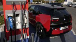 Petrol na poti električne mobilnosti