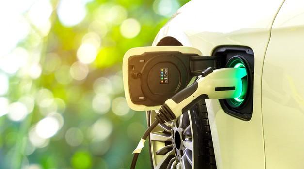 Razmišljate o nakupu električnega avtomobila? Tukaj vsi odgovori na enem mestu! (foto: Shutterstock)