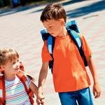 Tudi starši lahko prispevate k večji varnosti otrok na poti v šolo (foto: Arhiv AM)
