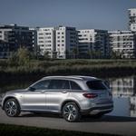 Je Mercedes GLC F-Cell priključni hibrid ali električni avtomobil? (foto: Daimler)