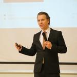 """Mag. Uroš Salobir, direktor področja za strateške inovacije v ELES-u; """"Električni avtomobili so za omrežje lahko izredno koristni!"""" (foto: Arhiv AM)"""
