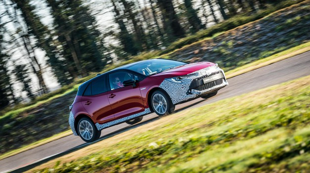 Predpremiera: Toyota Corolla pripravlja veliko vrnitev (foto: Autobest)