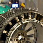 V muzeju njenega veličanstva: filmski muzej o Jamesu Bondu in njegovih avtomobilih (foto: Profimedia)