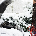 Zapadel je prvi sneg ... Na kaj moramo paziti, preden se odpravimo na pot? (foto: Profimedia)