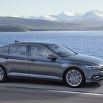 Prenovljeni Volkswagen Passat omogoča delno avtomatizirano vožnjo (foto: VW)