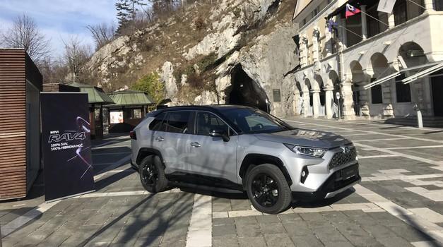 Peti rod Toyote RAV4 je zapeljal na slovenske ceste (foto: Tomaž Porekar)