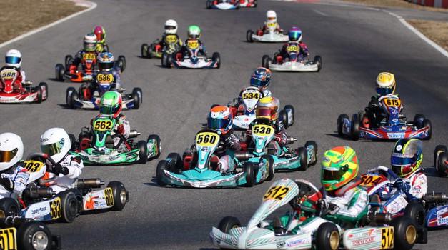 Karting: štirje slovenski vozniki na mednarodni dirki v Italiji (foto: Jasmina Kastelic)