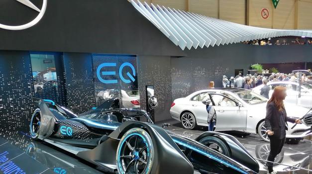 Mercedes-Benz vstopa v formulo E (foto: Dušan Lukič)