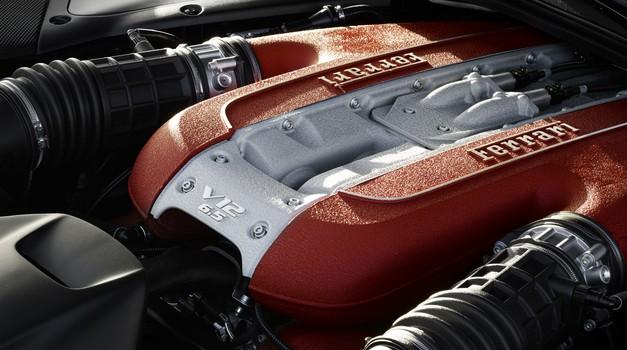 Tudi Ferrari se ne bo odpovedal 12-valjnikom (foto: Ferrari)