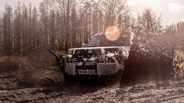 Land Rover Defender se podaja na dobrodelno pot (foto: Jaguar-Land Rover)