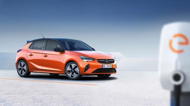 Opel razkril cene dveh najtežje pričakovanih modelov, električne Corse in hibridnega Grandlanda (foto: Opel)