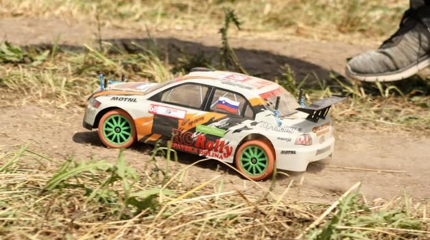 V Vipavski dolini tudi letos dirke miniaturnih reli dirkalnikov (foto: Jure Uršič)