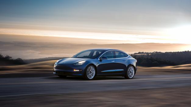 Tesla Model 3 že beleži probleme z rjo (foto: Tesla)