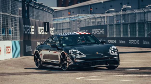 Čakanja je konec: Porsche Taycan prihaja čez manj kot mesec dni (foto: Porsche)