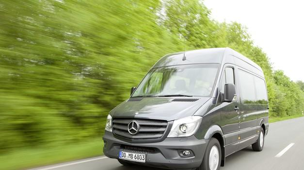 Daimler vpoklical 260.000 vozil. Poglej zakaj (foto: Daimler AG)