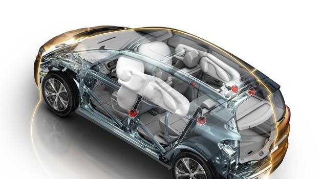 Te tehnologije bodo morali imeti že čez dobri dve leti vsi novi avtomobili (foto: Renault)