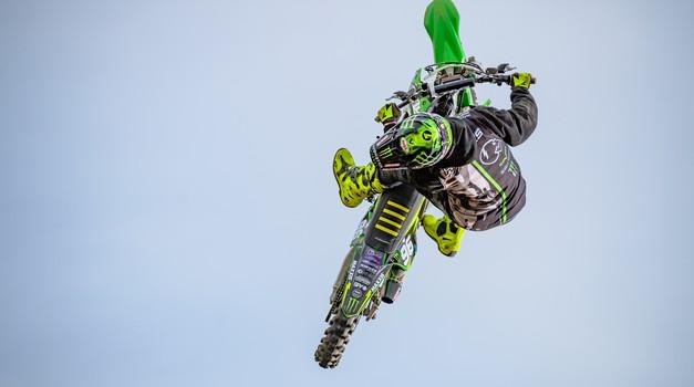 Hodges z novim trikom letvico postavlja še višje (video) (foto: Monster Energy)