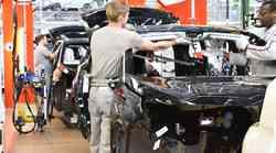 PSA in Fiat ustavljata VSE evropske tovarne!